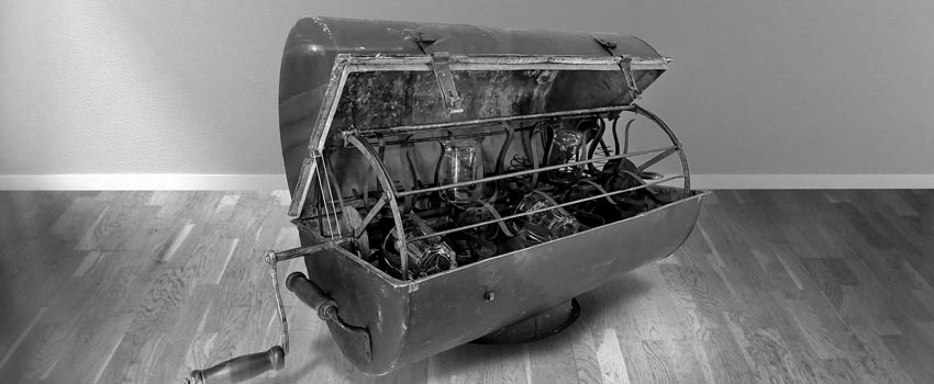 1860 hand-powered dishwasher